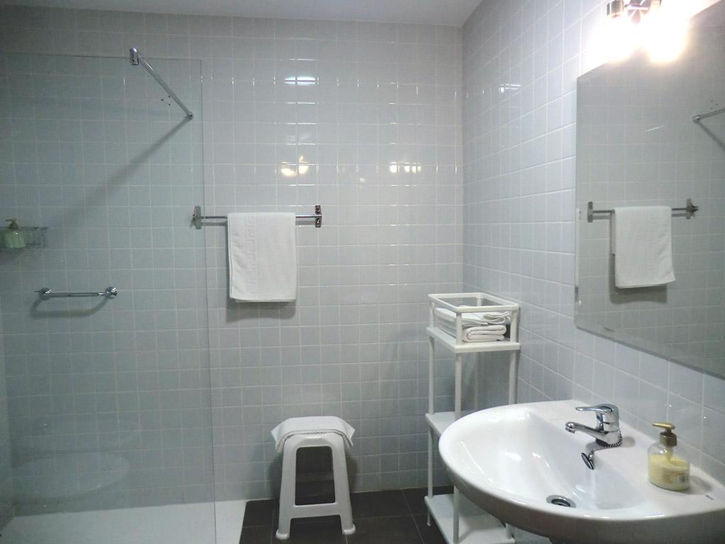 006-bano-comun-residencial-puerto-lopez-en