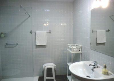 bano-comun-residencial-puerto-lopez-12-en